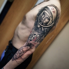 sleeve realistic trash polka tattos
